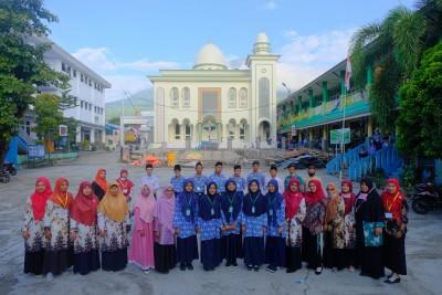 Ujian Perdana SMP IT Alkhairaat
